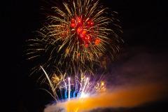 1Y8A2707-feuerwerk-neuried-rot-blau-gelb-klein