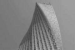 Dubai gedrehter Wohnturm