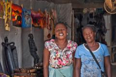 Die 2 Verkäuferinnen im Hereroland